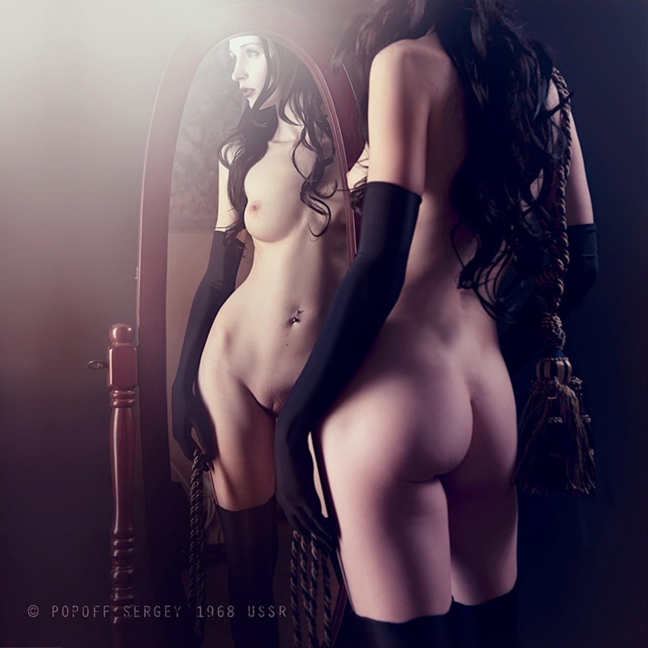 Эротические фотографии в зеркало 6 фотография