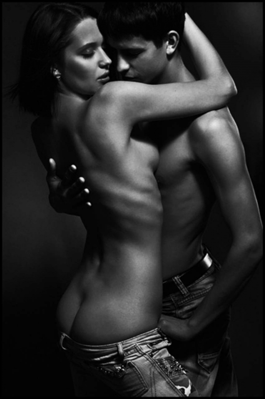 Эротическая фотосессия голые мужчина и женщина