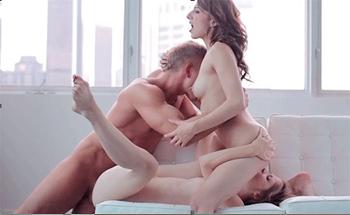секс втроем жмж позы